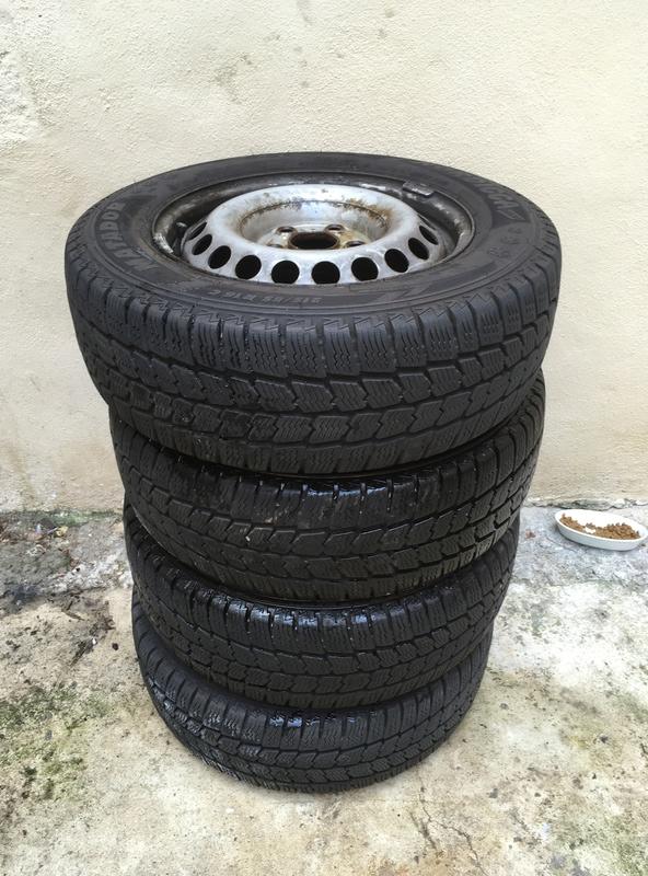 A vendre jantes tôles avec pneus démontés sur mon t5 Img_0012