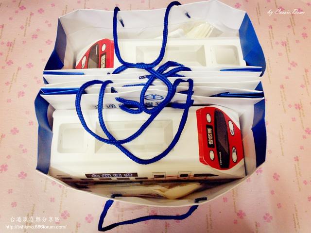 【台鐵便當特輯】快報!慶祝129週年。台鐵普悠瑪創意便當入手 ♥ 暫定端午連假期間販售 (圖多) Eieyio10