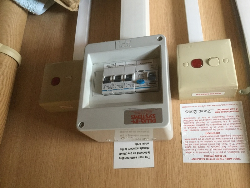 Mains Electric Hot Water Switch Image10