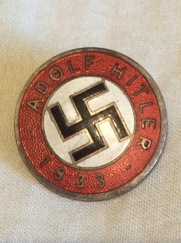 Casque SS , badge du parti nazi et papiers a identifier . Image12
