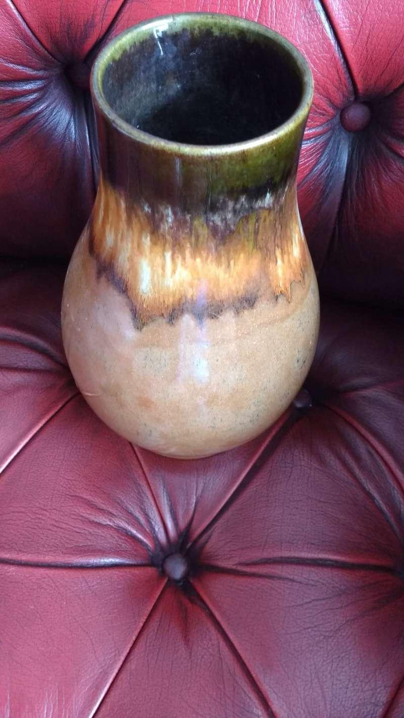heavily glazed vase possibly belgian? Img_2017