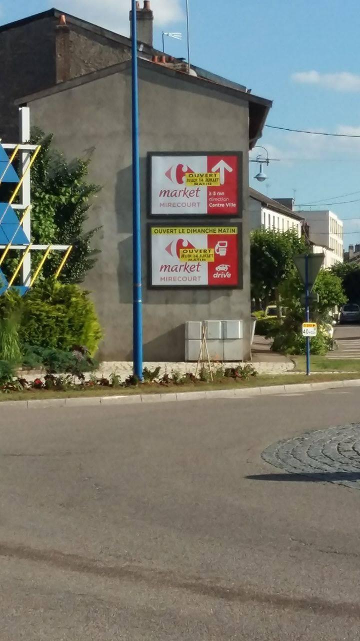 La vie des commerces à Mirecourt  13720611