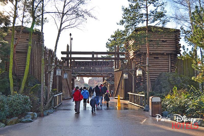 Recreation de Disneyland Paris (creation+importation) - Page 3 Entrad10