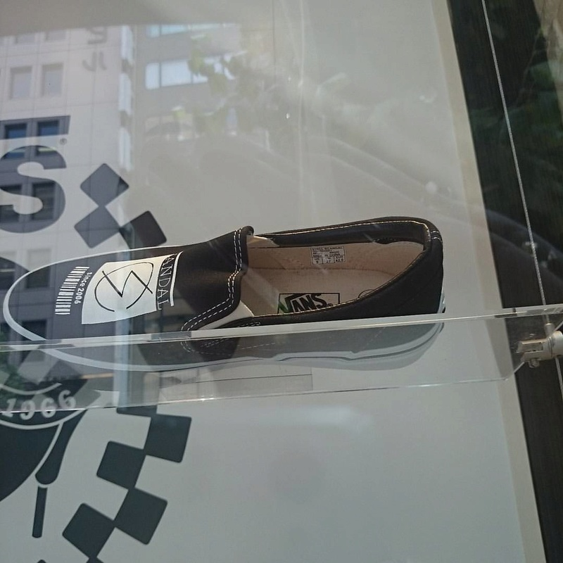 SCANDAL × VANS COLLABORATION SLIP-ON 1shoe10