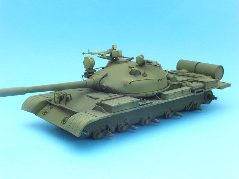 T62A (Tamiya 35108) - 1/35 - décoration Israélienne (Capture d'un tank syrien) montage TERMINÉ  Dscf0012