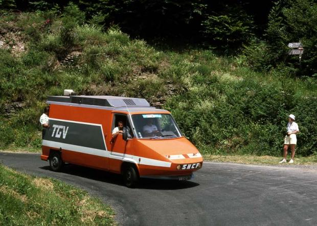 Les Renault Master TGV du Tour de France Moyen-10