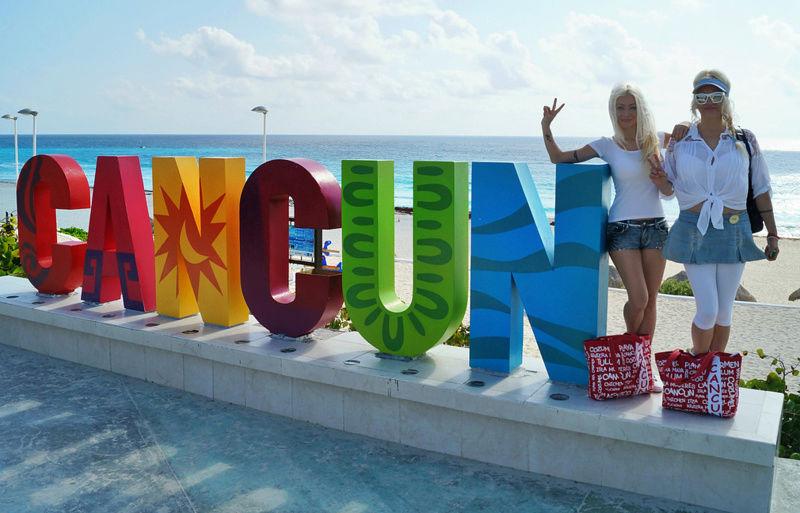 """Défi collectif : à la recherche de la descendance du célèbre panneau """"Hollywood"""" - Page 2 Cancun14"""