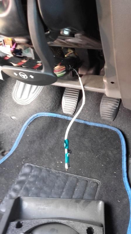 [ Fiat punto 2 1.2 elx an 2000 ] Ou peut bien venir ce cable ? 20160812