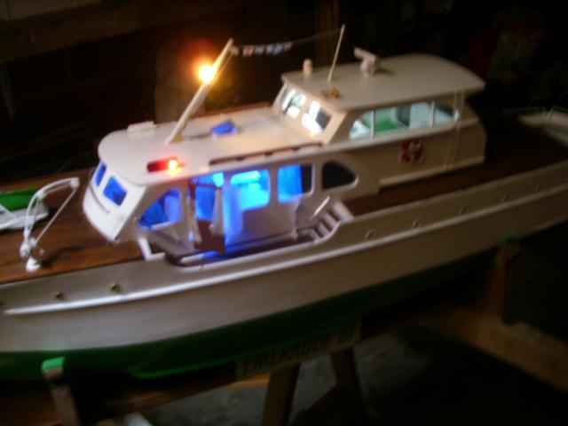 yacht le BRIGAND au 1/25° de NAVIG - Page 6 Dsci0114
