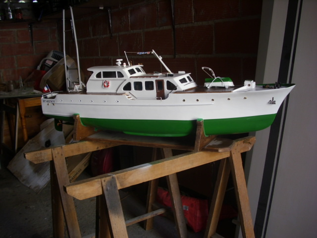 yacht le BRIGAND au 1/25° de NAVIG - Page 7 Dsci0123