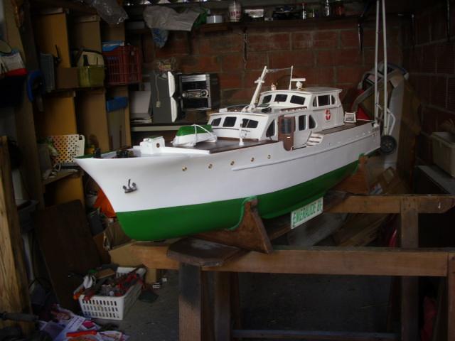 yacht le BRIGAND au 1/25° de NAVIG - Page 7 Dsci0125