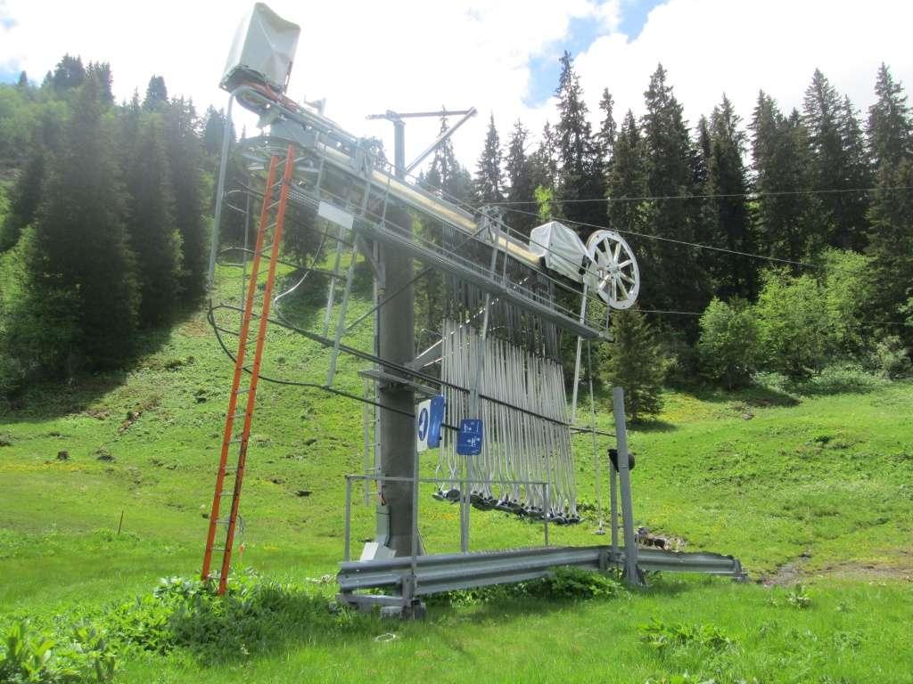"""Construction de télésièges dans le domaine """"Diablerets-Villars-Gryon (Suisse)"""" Img_1614"""