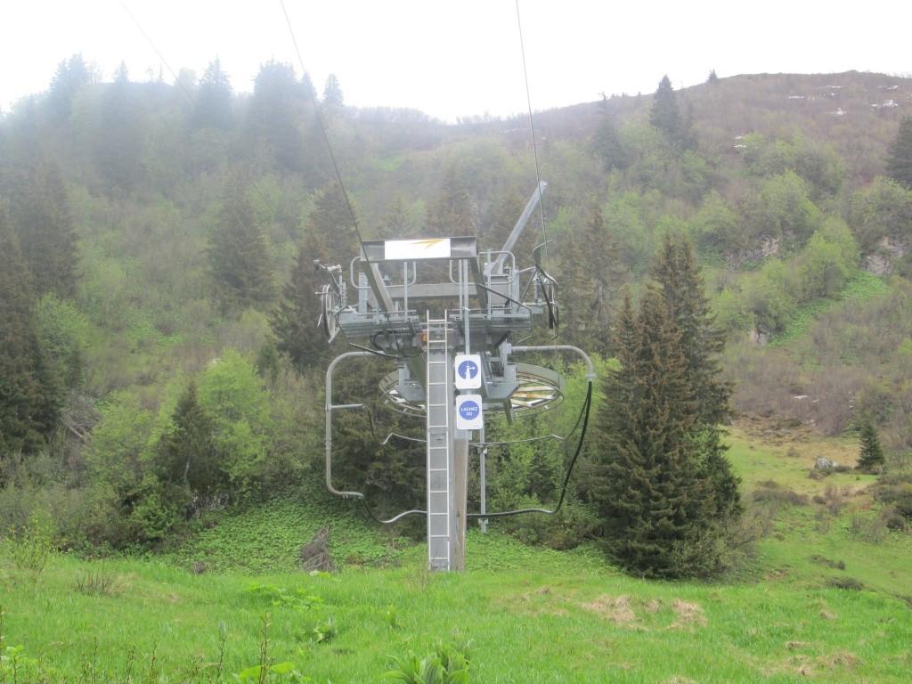 """Construction de télésièges dans le domaine """"Diablerets-Villars-Gryon (Suisse)"""" Img_1616"""