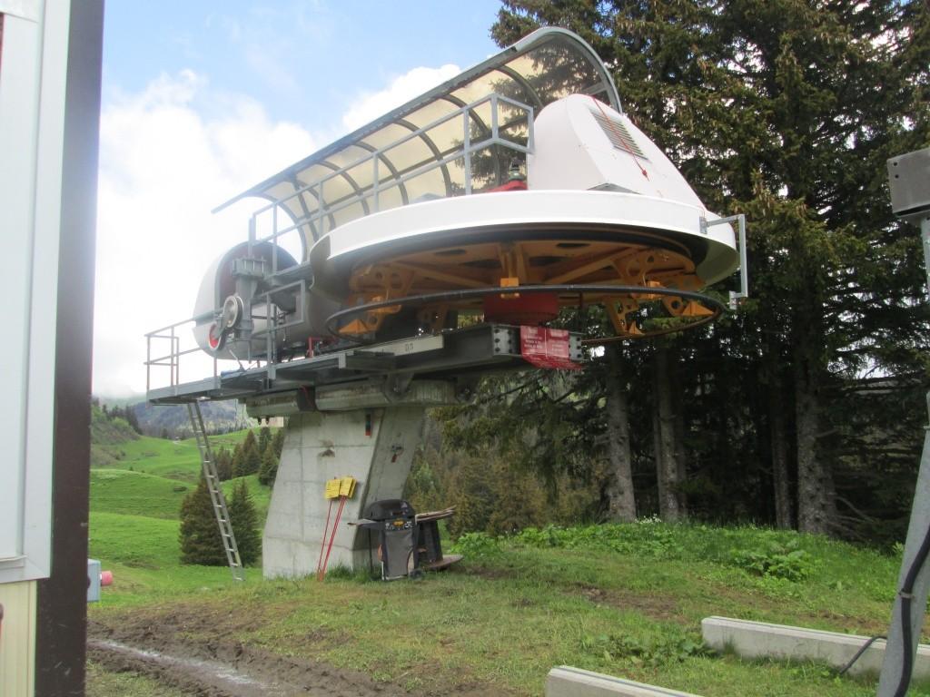 """Construction de télésièges dans le domaine """"Diablerets-Villars-Gryon (Suisse)"""" Img_1618"""
