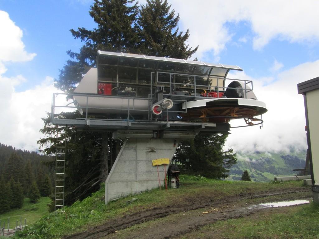 """Construction de télésièges dans le domaine """"Diablerets-Villars-Gryon (Suisse)"""" Img_1619"""