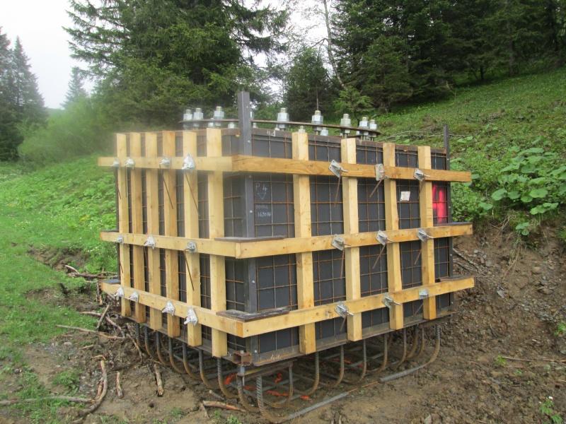 """Construction de télésièges dans le domaine """"Diablerets-Villars-Gryon (Suisse)"""" Img_1627"""