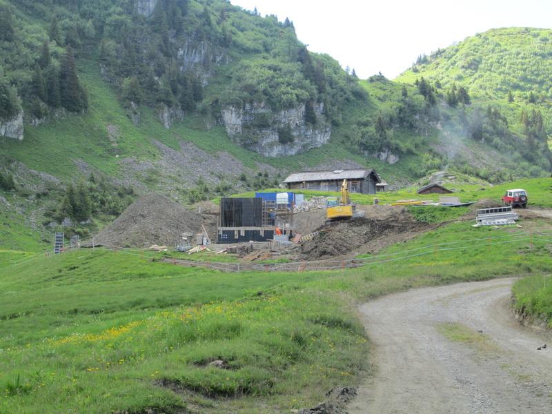 """Construction de télésièges dans le domaine """"Diablerets-Villars-Gryon (Suisse)"""" Img_1632"""
