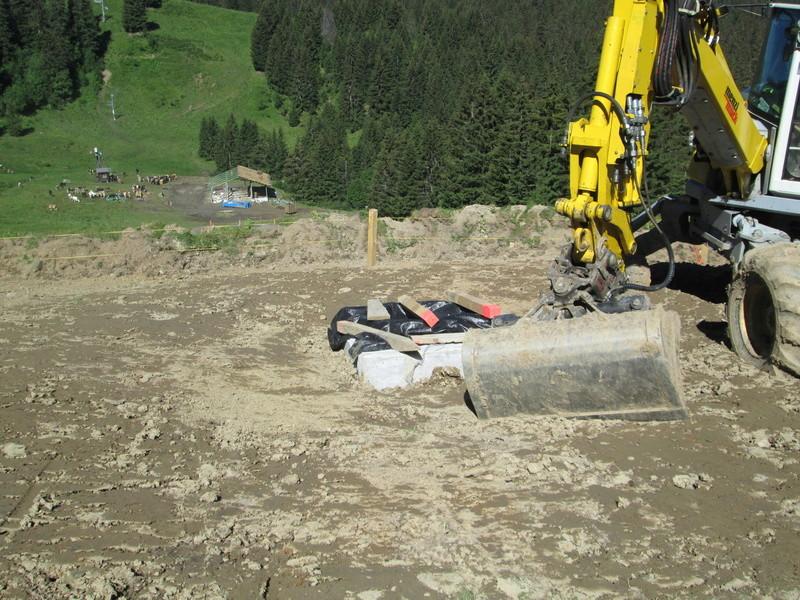 """Construction de télésièges dans le domaine """"Diablerets-Villars-Gryon (Suisse)"""" Img_1710"""