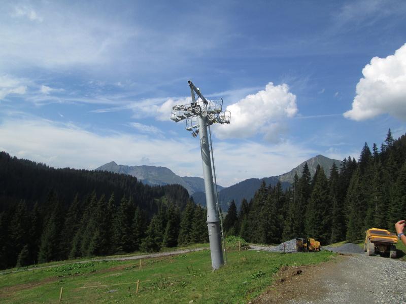 """Construction de télésièges dans le domaine """"Diablerets-Villars-Gryon (Suisse)"""" Img_1713"""