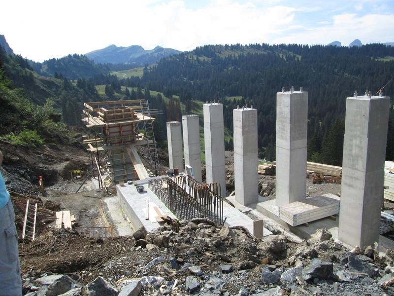 """Construction de télésièges dans le domaine """"Diablerets-Villars-Gryon (Suisse)"""" Img_1717"""