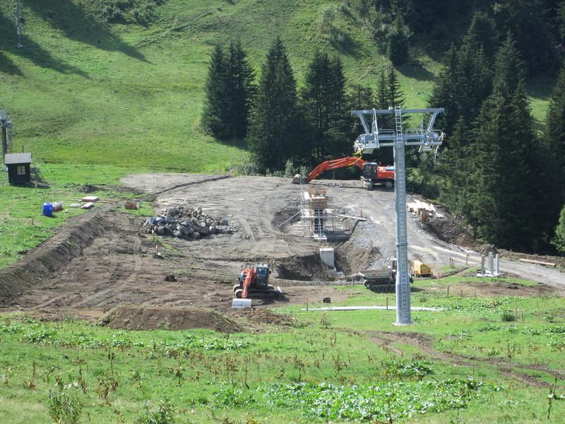 """Construction de télésièges dans le domaine """"Diablerets-Villars-Gryon (Suisse)"""" Img_1718"""