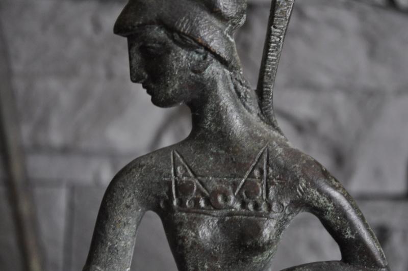 Stastuette athéna en bronze Dsc_0038