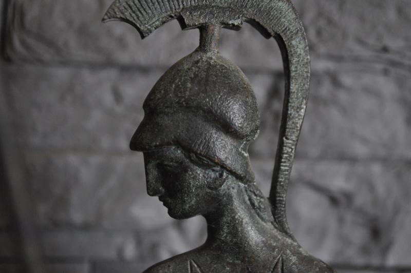 Stastuette athéna en bronze Dsc_0040
