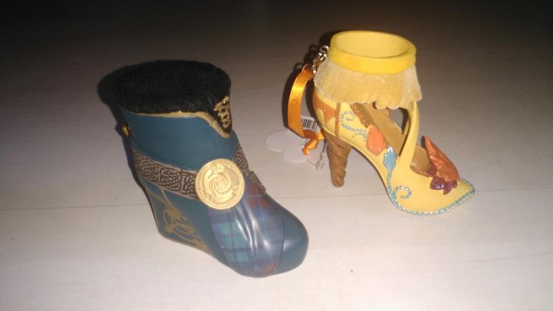[Collection] Chaussures miniatures (shoe ornament) / Sacs miniatures (handbag ornament) - Page 2 Img_2010