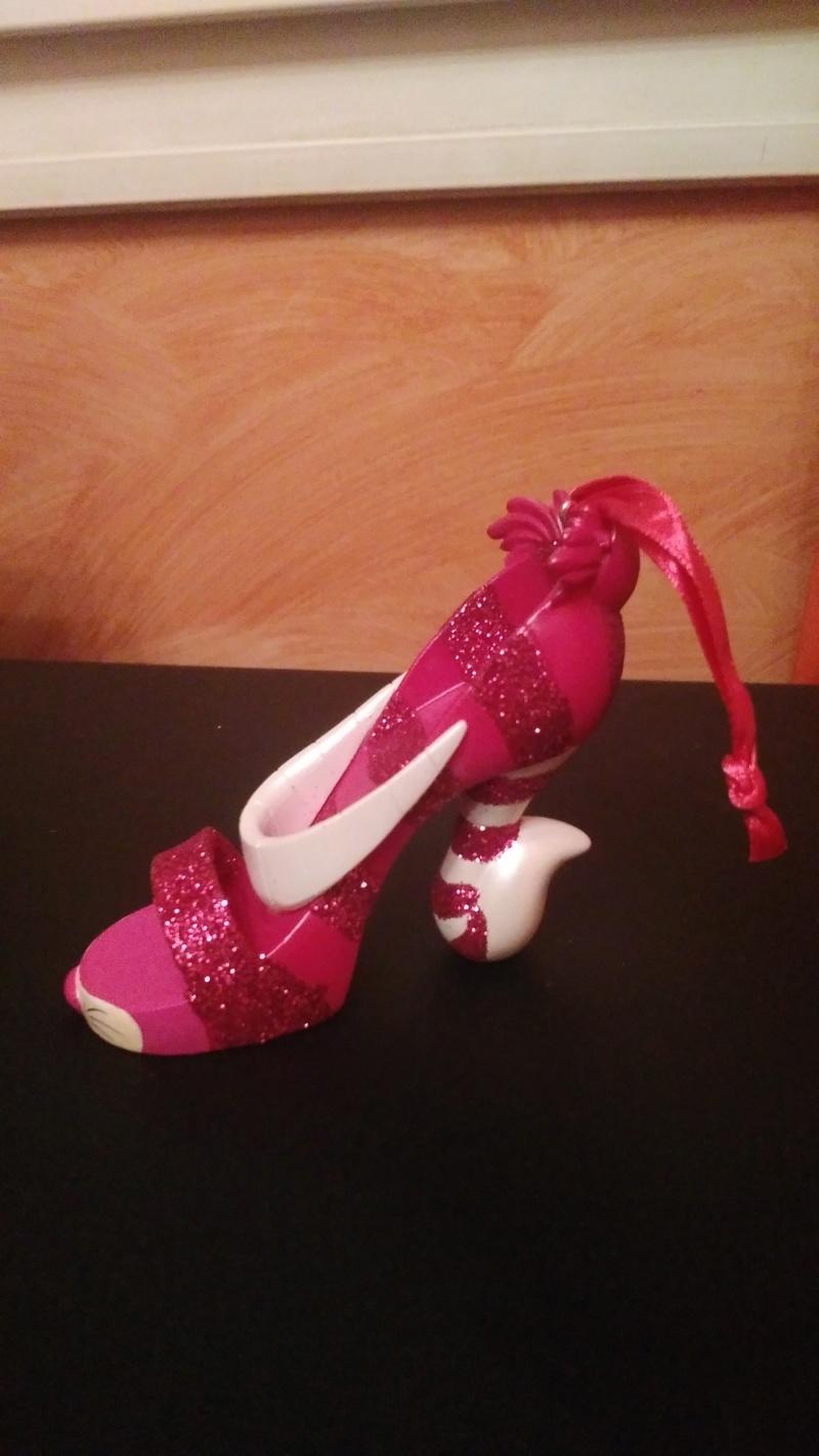 [Collection] Chaussures miniatures (shoe ornament) / Sacs miniatures (handbag ornament) - Page 2 Img_2012