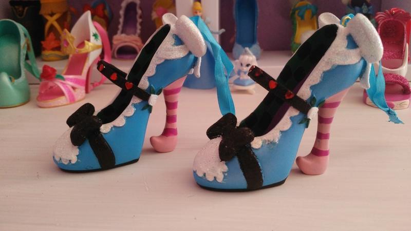 [Collection] Chaussures miniatures (shoe ornament) / Sacs miniatures (handbag ornament) - Page 2 Img_2013
