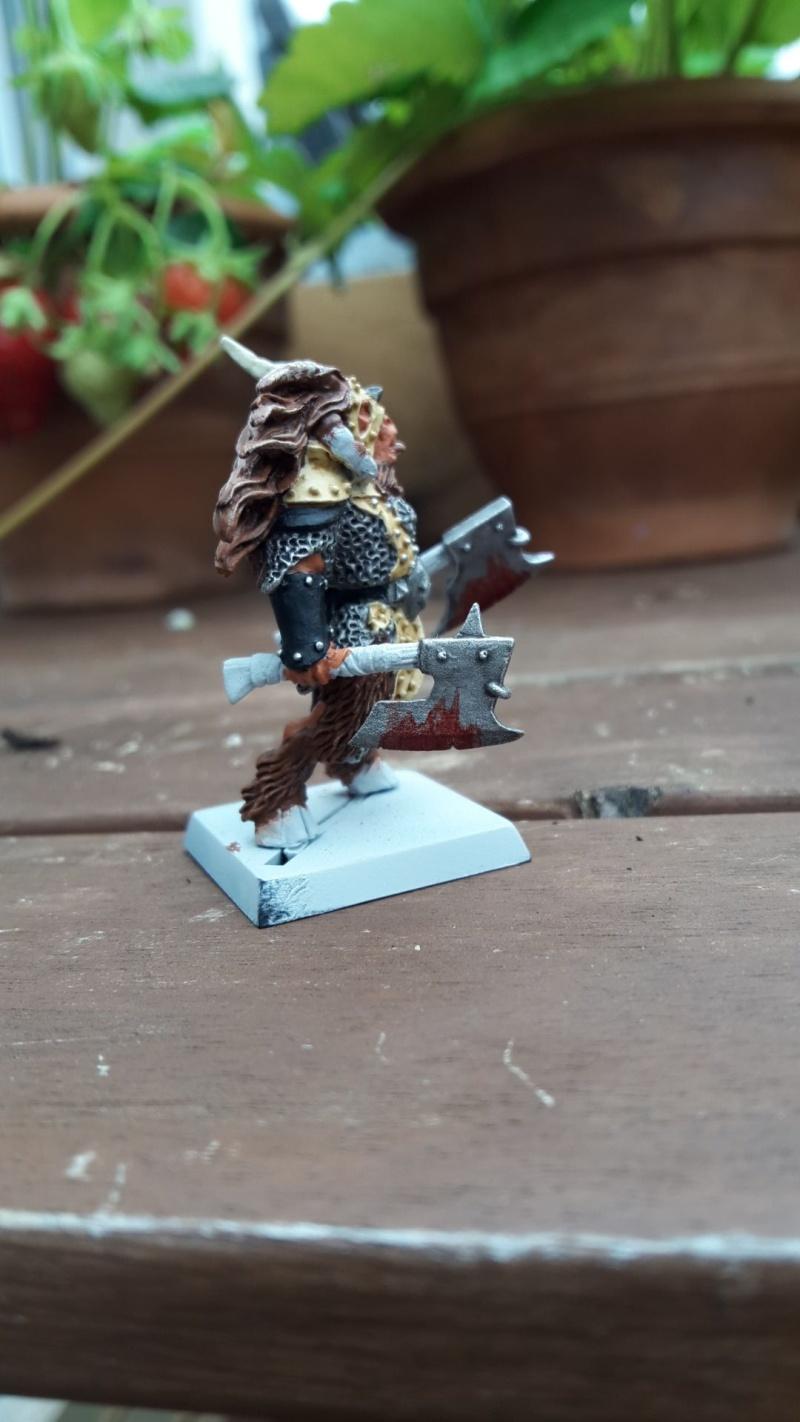 Beastlord avec deux haches Beastl11