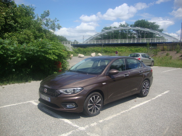 2016 - [Fiat] Tipo 5 portes & SW - Page 16 Fiat_t10