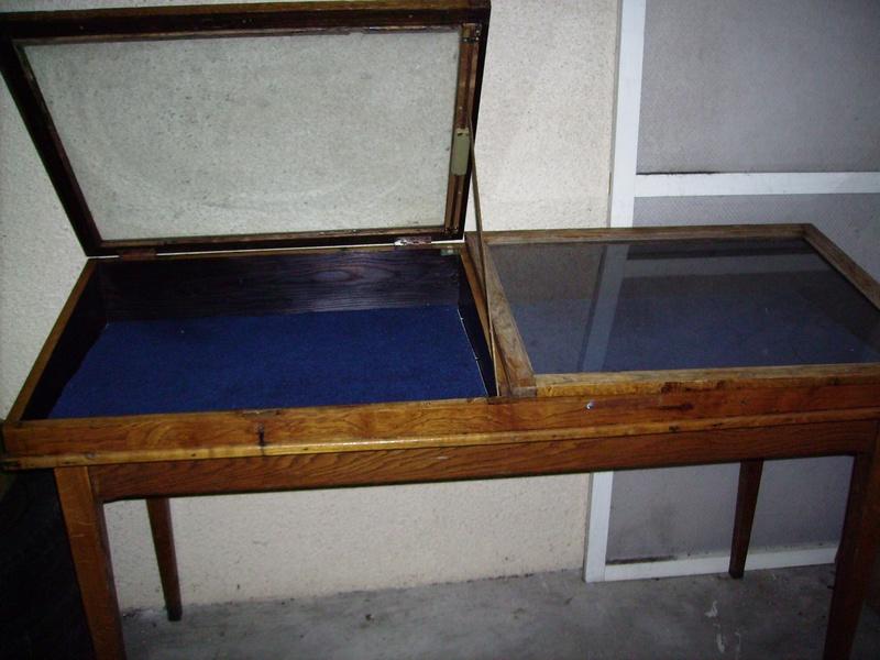 Vitrine de musée à vendre. Vitrin10