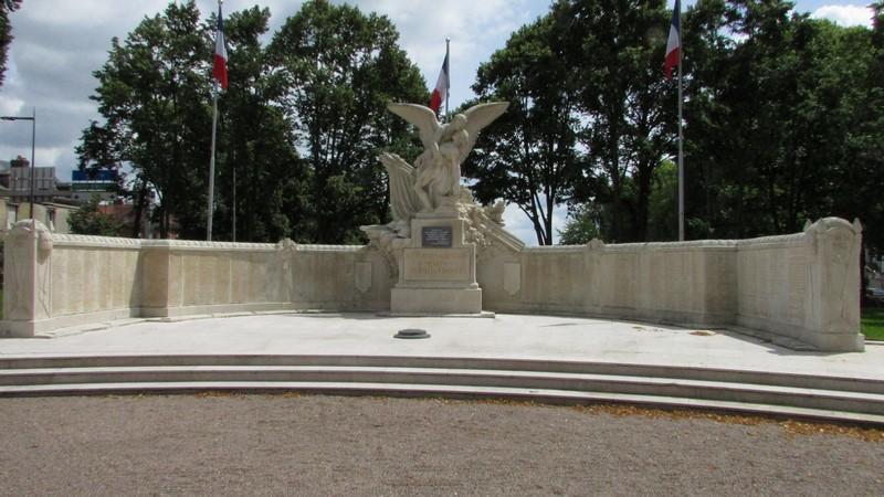 Monument aux morts (Beauvais) 1 Monume12