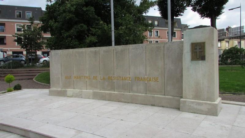 Monument aux morts (Beauvais) 1 Monume17