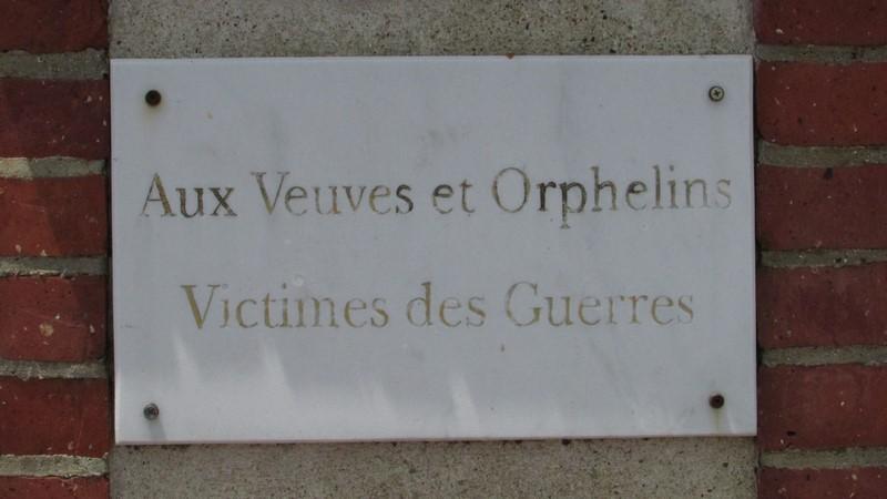 Monument aux morts (Beauvais) 1 Monume19