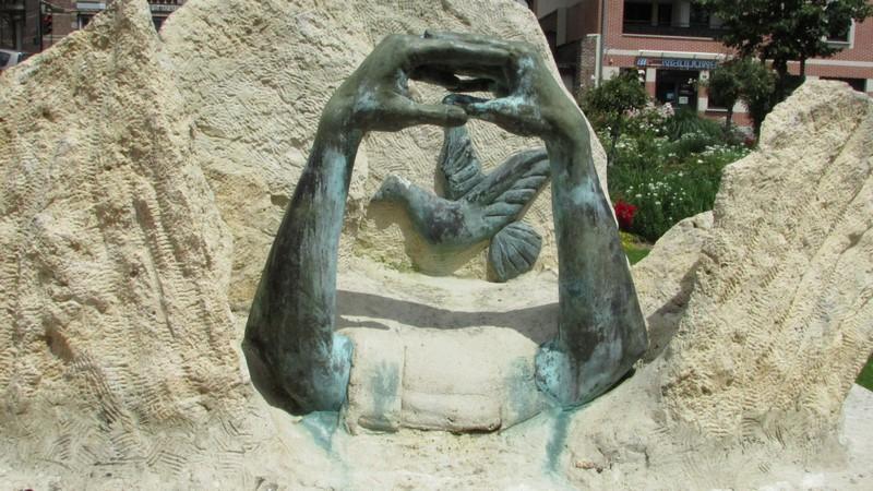 Monument aux morts (Beauvais) 1 Monume21