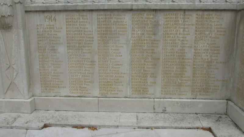 Monument aux morts (Beauvais) 1 Monume22