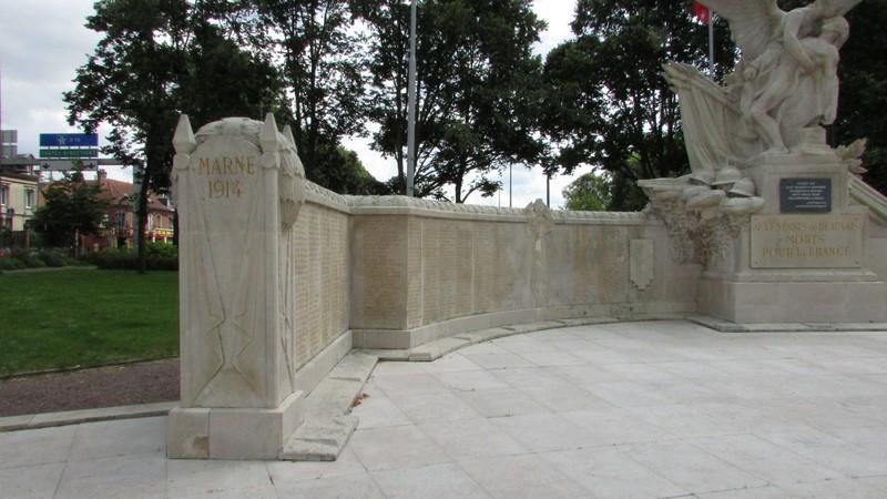 Monument aux morts (Beauvais) 1 Monume23