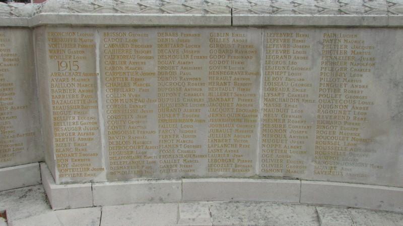 Monument aux morts (Beauvais) 1 Monume30