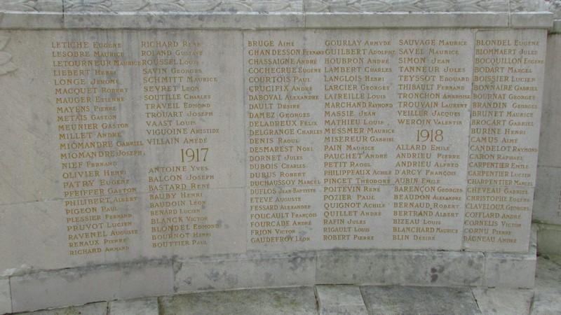 Monument aux morts (Beauvais) 1 Monume33