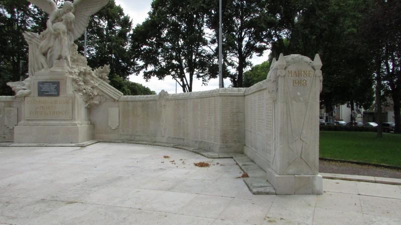 Monument aux morts (Beauvais) 1 Monume34