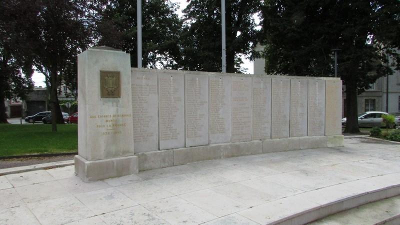 Monument aux morts (Beauvais) 2 Monume36