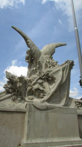 Monument aux morts (Beauvais) 2 Monume37