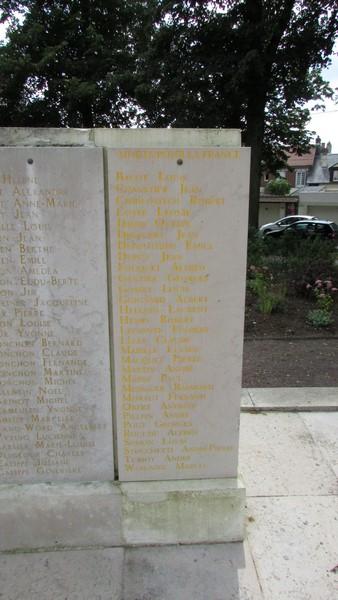 Monument aux morts (Beauvais) 2 Monume38