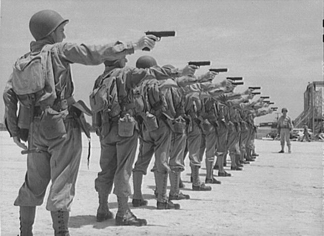 L'ARMEMENT DE LA 4th INFANTRY DIVISION : LE COLT 1911 A1 ou COLT 45 M1911_10