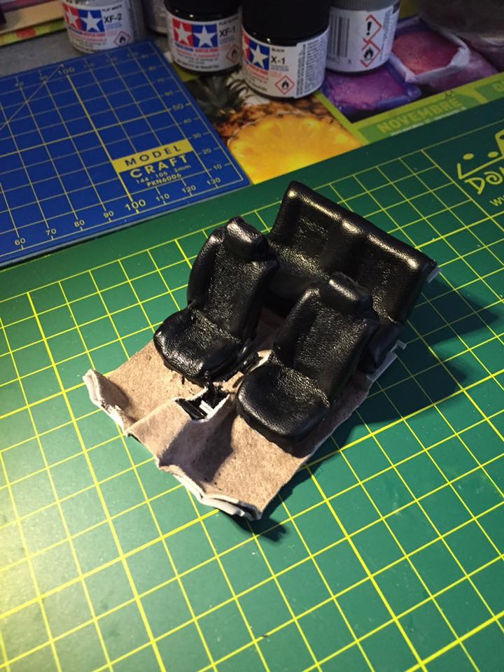 VW Golf 1 Cabriolet 1/24 [ REVELL ] - Page 3 Image185