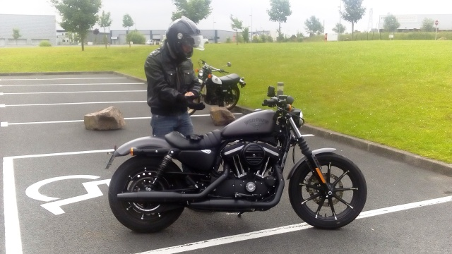 Une Harley avec la GS c'est possible ?  - Page 2 Dsc_0011