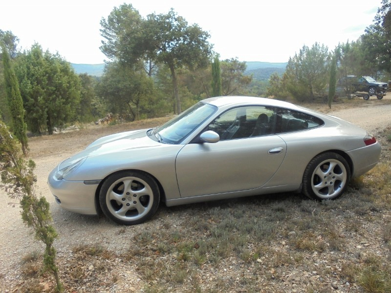 A vendre 996 carrera 2 moteur neuf 21700 euros Dsc00320