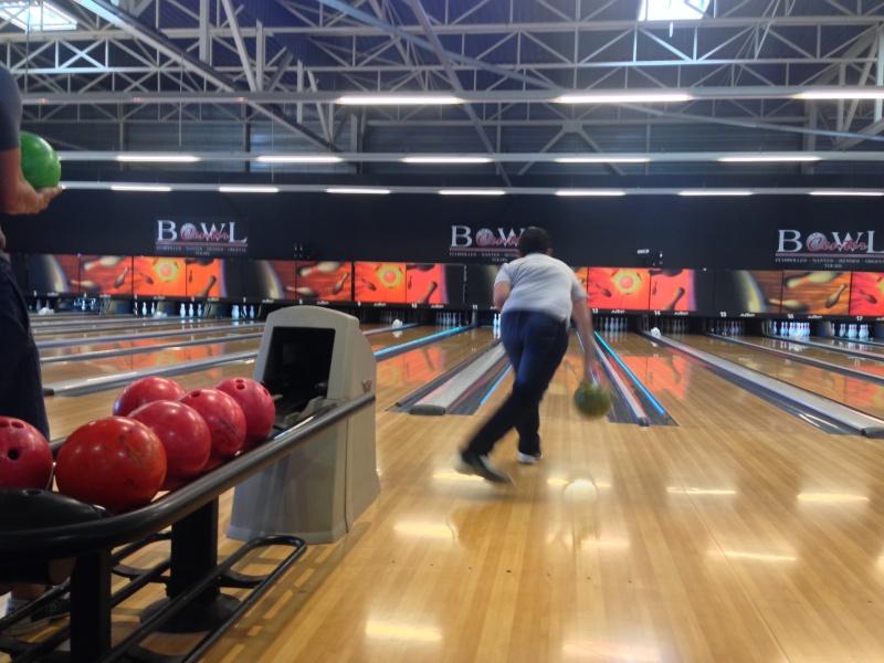 Debrief de la soirée Bowling... Img_1714